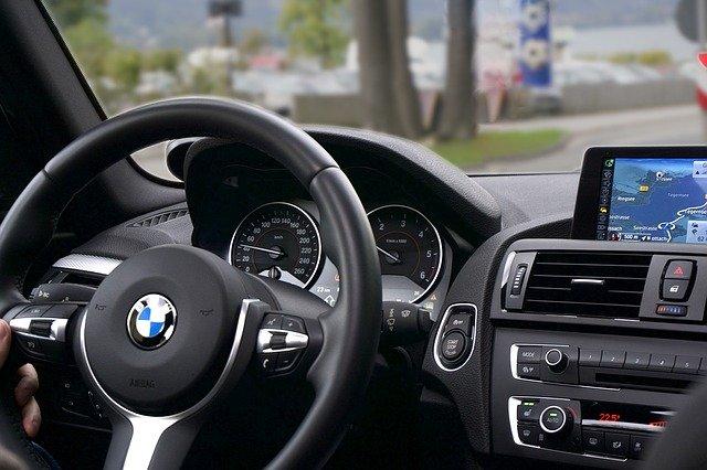 Jak wybrać dobry kurs nauki jazdy?