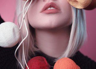 Na czym polega przedłużanie włosów metodą laserową?